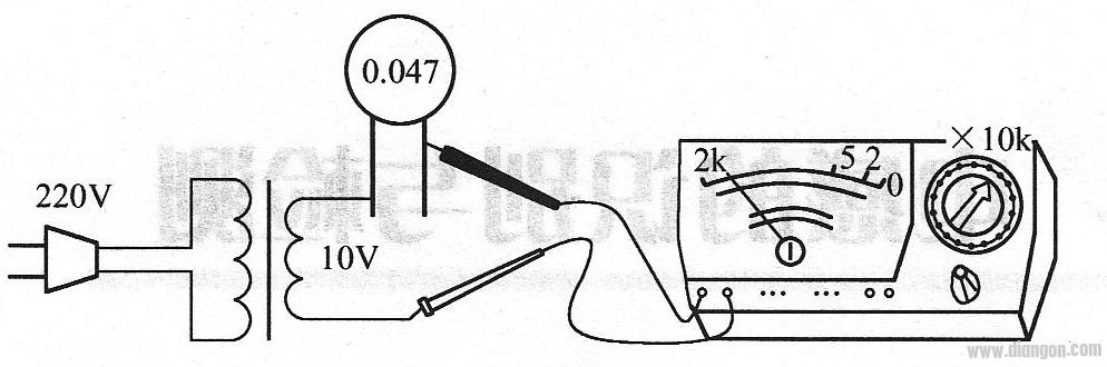 万用表电压法检测电容