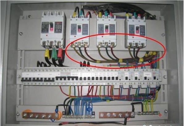 使用软电缆请进行搪锡处理或者使用接线端子(线鼻子)